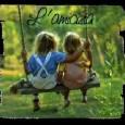 Questo tema parla dell'amicizia e dei rapporti come stanno cambiando al giorno d'oggi.. Definire l'amicizia non è facile, anche perché essa assume forme molto diverse nel corso della vita: l'amicizia tra bambini infatti è una cosa assai differente rispetto all'amicizia tra adolescenti e a quella tra gli adulti.