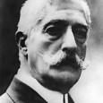 Giovanni Verga nacque da una famiglia di agiati proprietari terrieriaCatania nel 1840. Compì i primi studi presso maestri privati, come il letterato patriota Antonino Abate, da cui assorbì ilfervente patriottismo […]