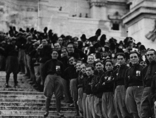 La marcia su Roma e la costruzione della dittatura di Mussolini